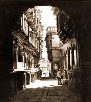 Cantilevered Floors for Shade. Jaisalmer, India.